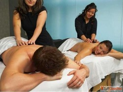 Full body massage parlor in Delhi